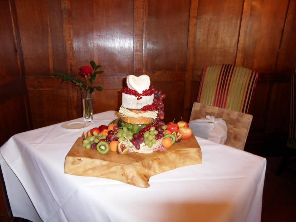 Keswick Cheese Deli Wedding Cake